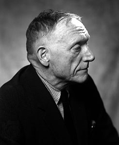 Photo of Robert Penn Warren.