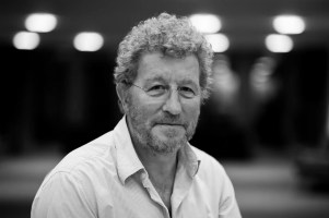 Photo of Sebastian Faulks.