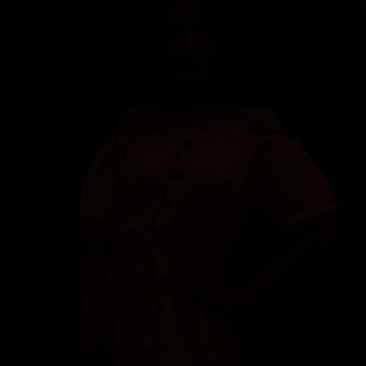 Czarna klatka, czyli tylko światło zastane.