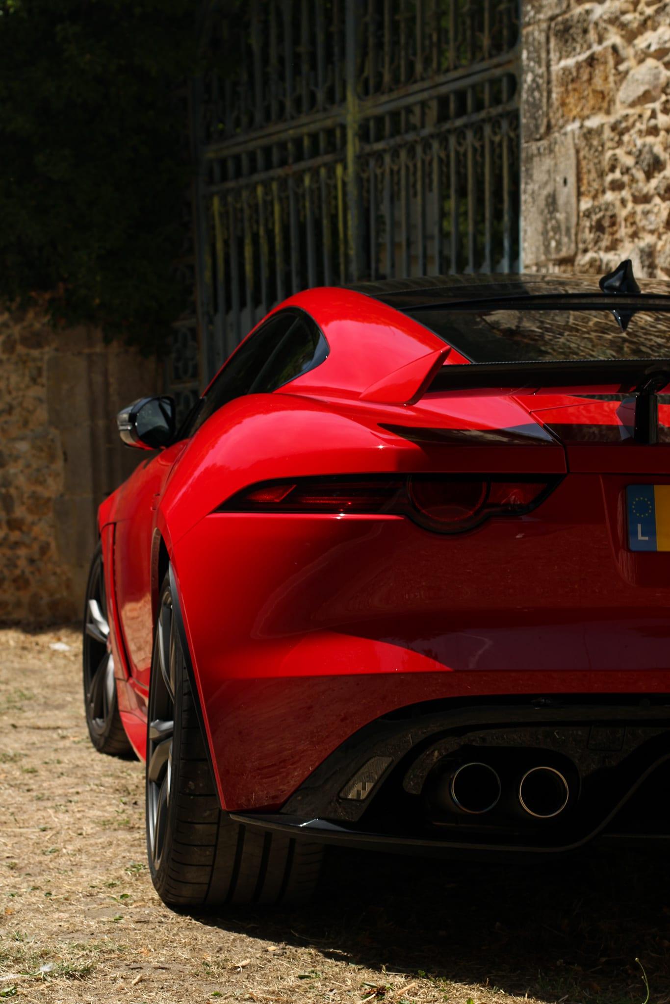 Arrière Jaguar F Type SVR