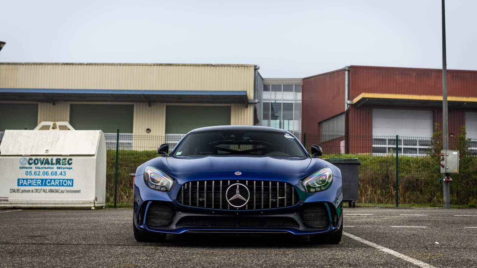 AMG GTR bleue