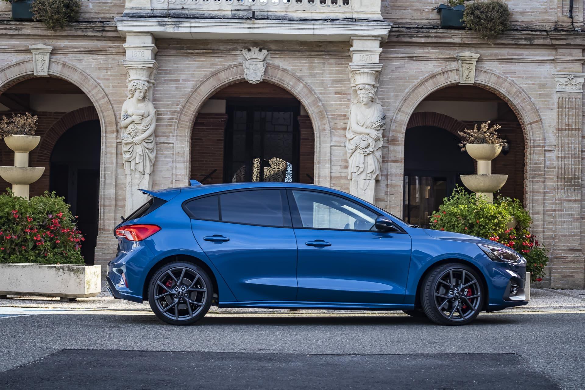 Ford Focus ST profil
