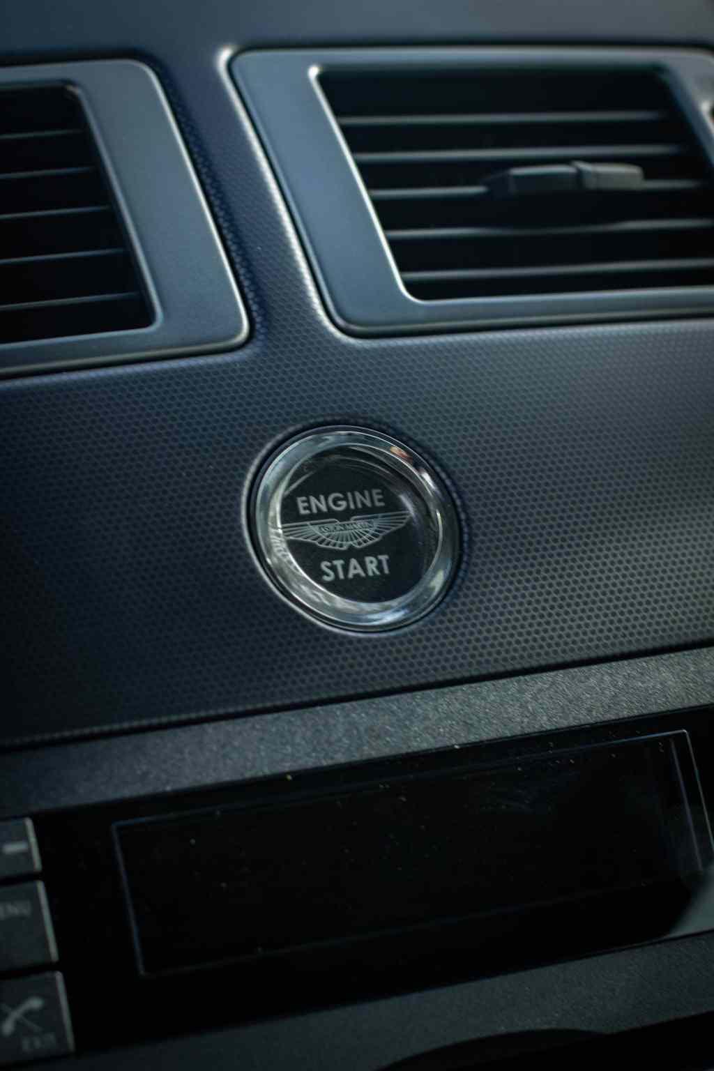 Aston Martin V8 Vantage -2982
