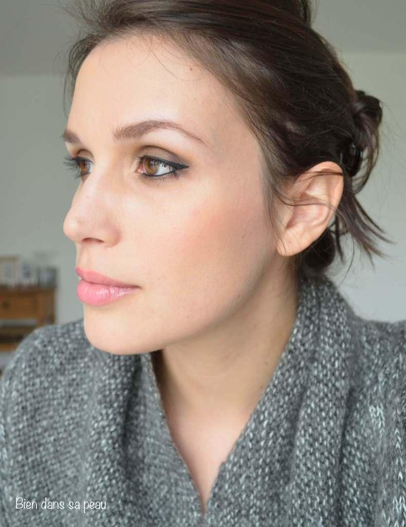 Maquillage-neutre-palette-Sleek-Makeup-au-naturel-601-revue-bien-dans-sa-peau-5