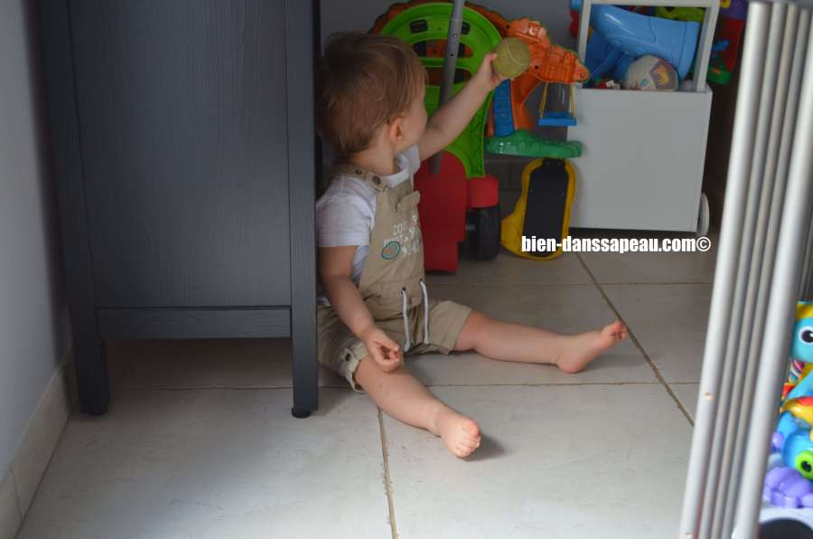 poutch-bebe-entre-12-et-16-mois-balle
