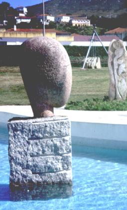 """Rui Anahory, 1996 """"Objeto Cerveira I e II"""" Escultura em granito 110x70x70 cm Simpósio de Escultura «Encontro com o granito»"""