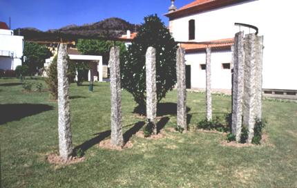 Clara Menéres 1978 Granito Ritmo Escultura em Granito e Ferro 450 x 200 cm