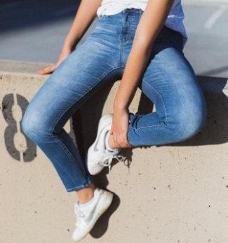 8dad42485ee Quelles chaussures porter avec un jeans
