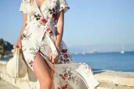 127f900406f Comment bien porter la robe portefeuille pour être sexy et élégante