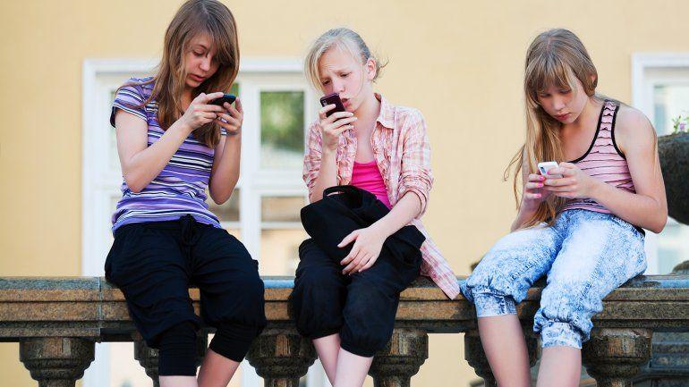 No podemos negar que forma parte de la socialización.