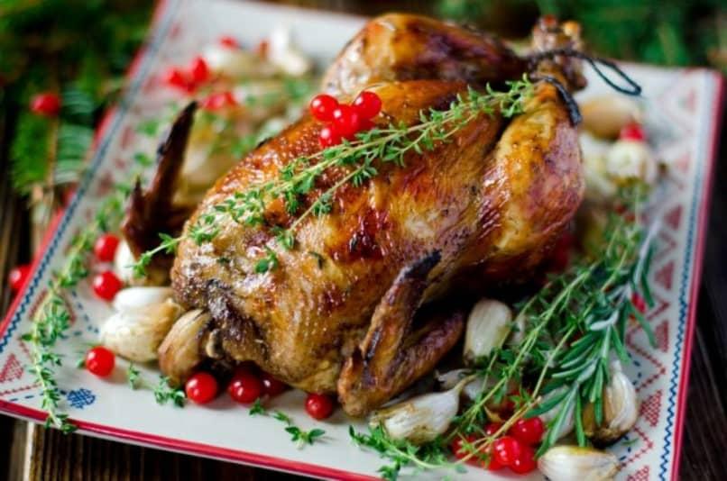 Pollo relleno al horno la mejor opción para la cena de navidad