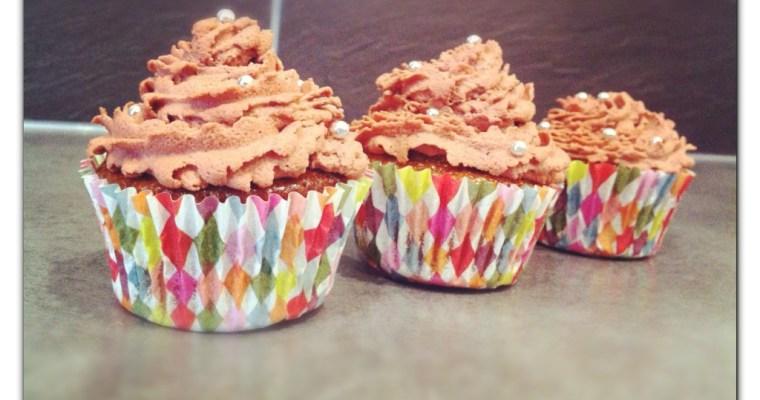 Cupcakes pain d'épice (Tupperware) glaçage chocolat fleur d'oranger