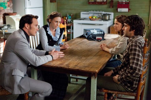 Lili-Taylor-Vera-Farmiga-Ron-Livingston-and-Patrick-Wilson-in-The-Conjuring-2013-Movie-Image