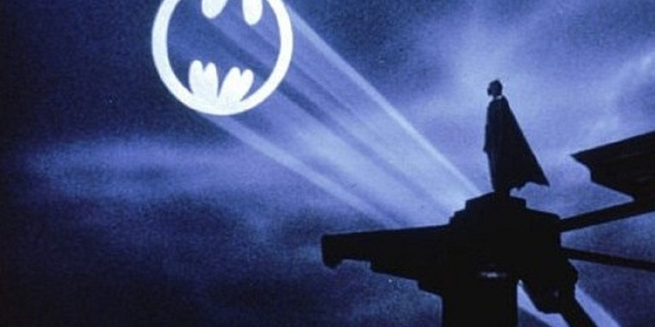 Batlight Shines On Line For Dark Knight >> Bbp Celebrates Batman 75 The Bat Signal Shines Forever On