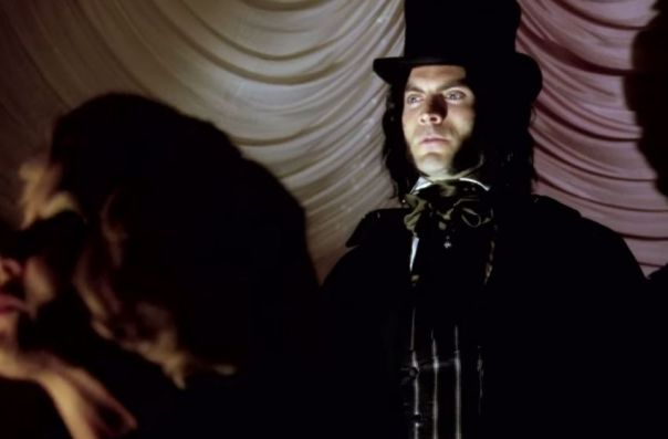 American-Horror-Story-Freak-Show-4x04-2-850x560