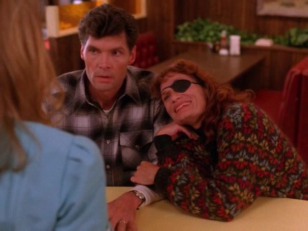 Twin-Peaks-Season-2-Episode-7-22-52ff