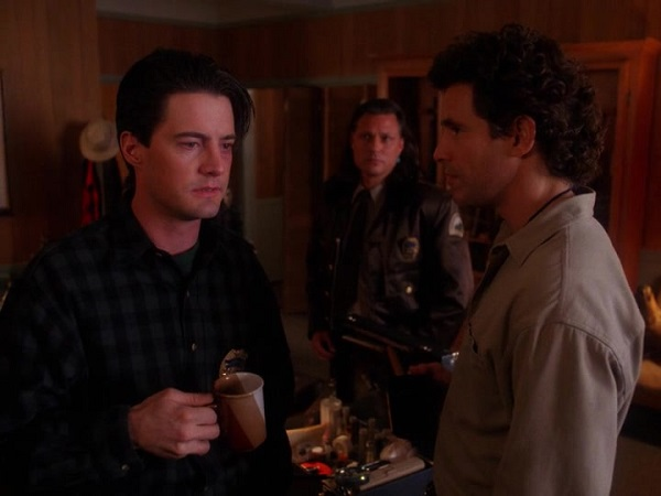 Twin-Peaks-Season-2-Episode-14-12-8090