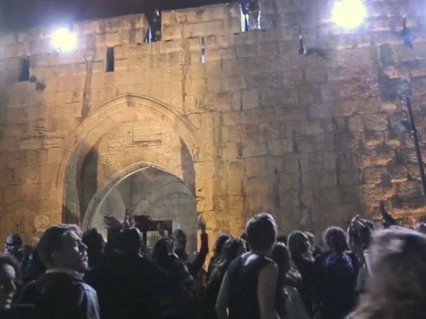 jeruzalem-crowd-shot
