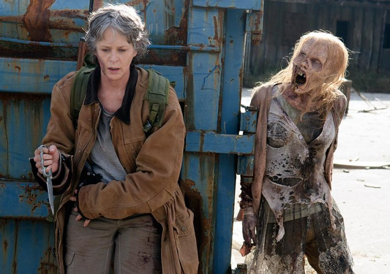 the-walking-dead-episode-616-carol-mcbride-935