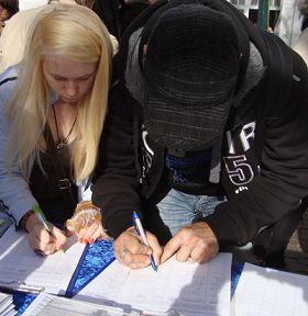 了解真相的各界人士紛紛簽名支持敦促聯合國對中共活摘法輪功學員器官儘快進行獨立調查,立即制止暴行。