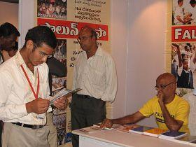INDO全球教育峰會期間的洪法展位