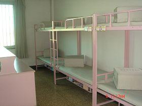 圖表33北京女子監獄寬管監區的監室床鋪實圖