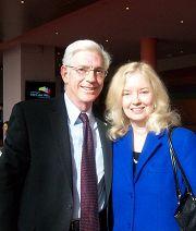 華盛頓州眾議員布魯斯•錢德勒與太太觀看了三十日下午的演出。