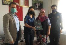 Photo of Biga Emniyetten Şehit Polis Ailelerine Ziyaret