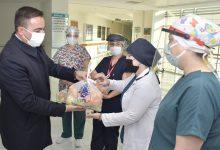 Photo of Başkan Erdoğan'dan Sağlık Çalışanlarına C Vitamini Takviyesi