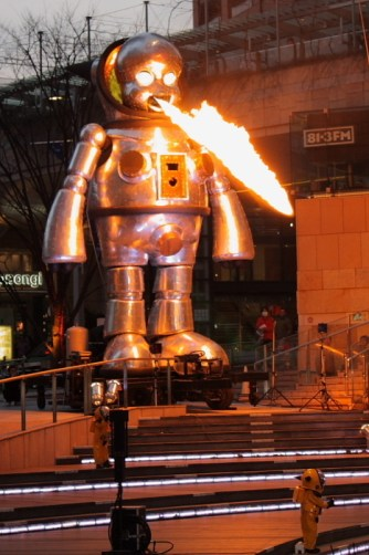 giant-fire-breathing-baby-robot-21786-1238522833-8