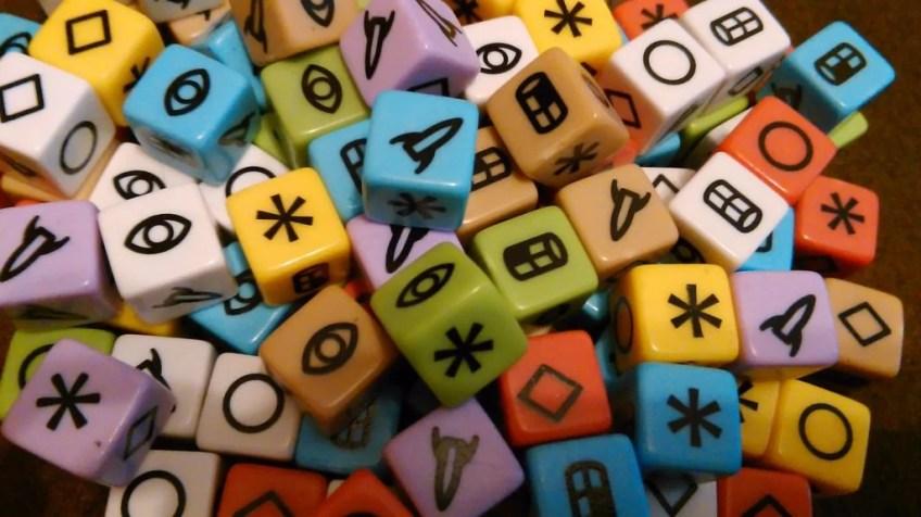 Cała pula kosteczek. 111 różnych kolorów. Cieszą oczy bardzo, w dotyku jakby trochę matowa s.winny się ścierać