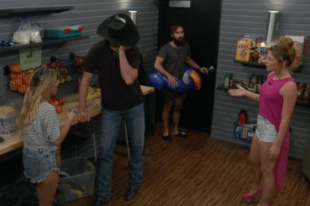 Big Brother 19 Live Feeds Recap Week 9 - Monday