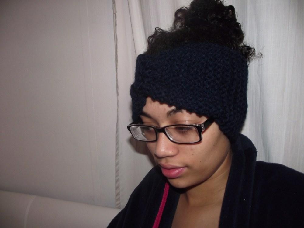 Knitting Headbands/earwarmers for winter :) (1/4)