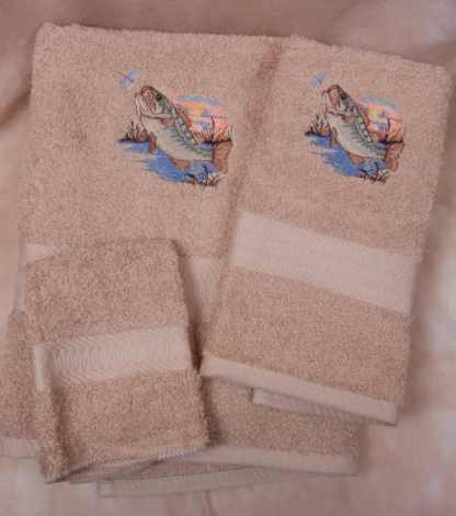 Large Mouth Bass Towel Set - Beige