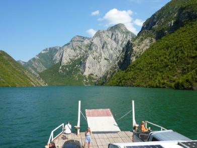 2016-08-02; Fährfahrt auf dem Komanisee 48