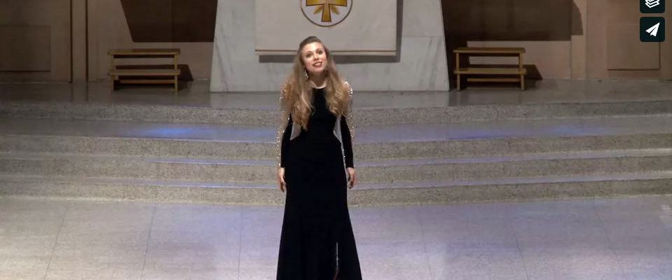 Opera singer video in 1st Methodist Corpus Christi