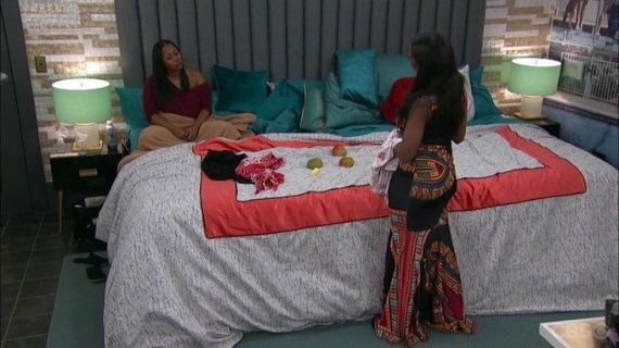Celebrity Big Brother-Keshia Knight Pulliam and Omarosa Discuss Brandi Glanville
