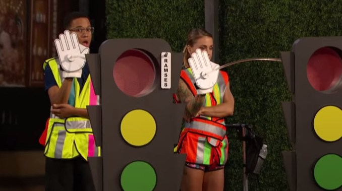 Big Brother 19 HGs compete for HoH