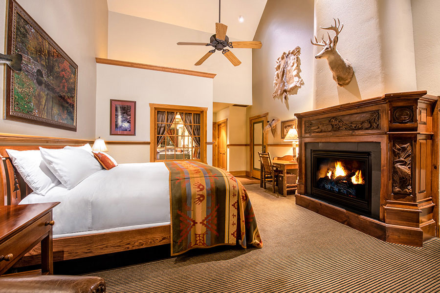 Falls Lodge Premier King Big Cedar Lodge