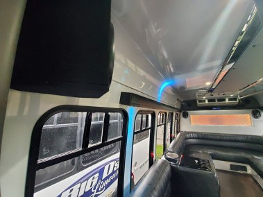 20190516 174606 - 16 Passenger<br>450 Party Bus</br>Limo #29