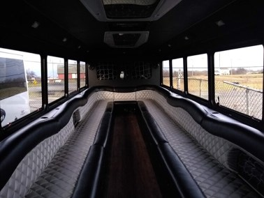 bus 31 interior 2 - 27 Passenger<br>550 Party Bus</br>Limo #31