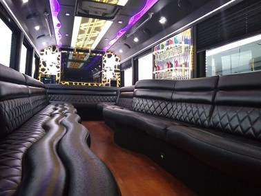 bus 35 interior 11 - 26 Passenger<br>550 Party Bus</br>Limo #35