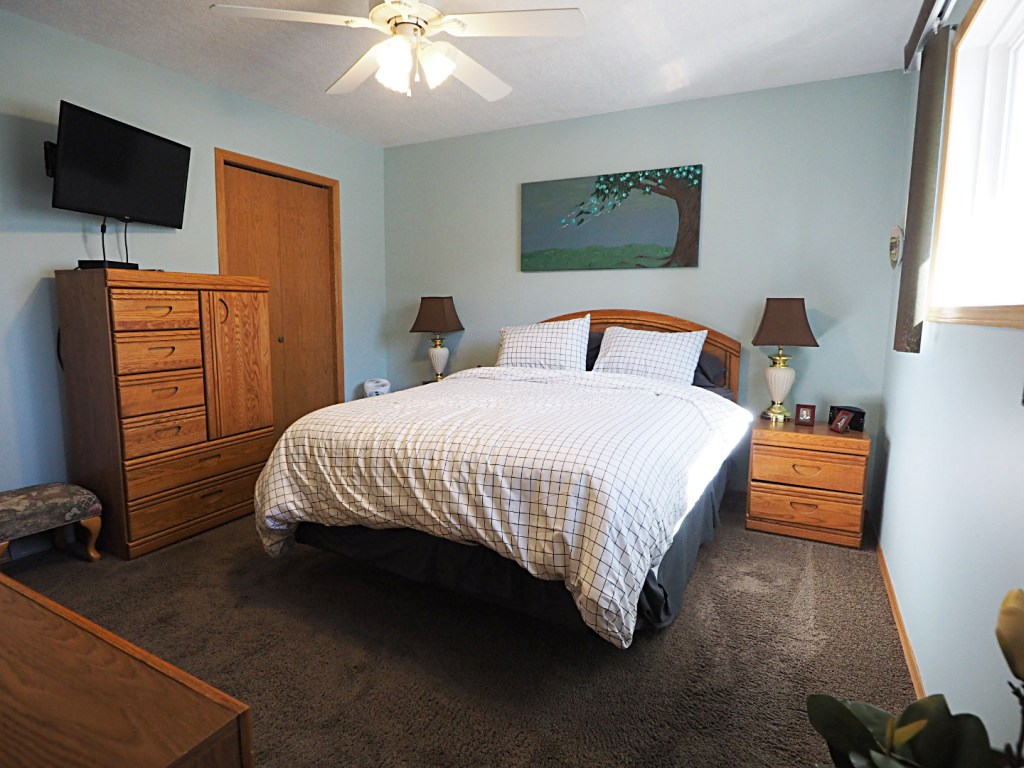 66 Excell Street master bedroom