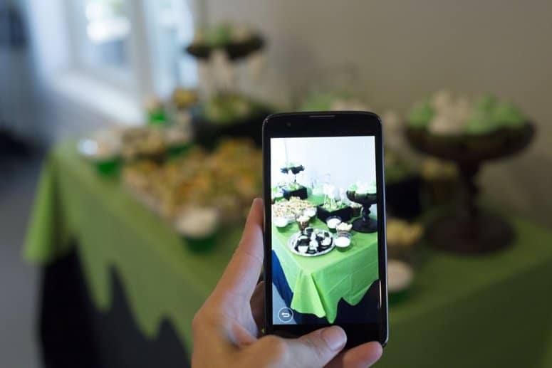Party photos on WFM phone