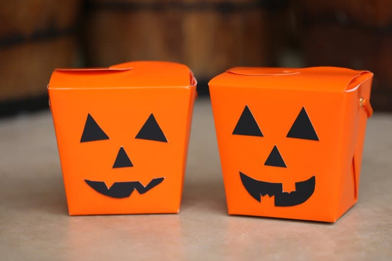 DIY Jack-o-lantern Halloween Treat Box