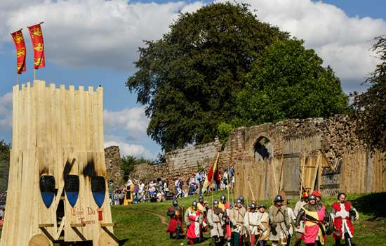 #WIN A Family Annual Pass for English Heritage