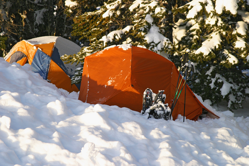 10 benefits of winter camping