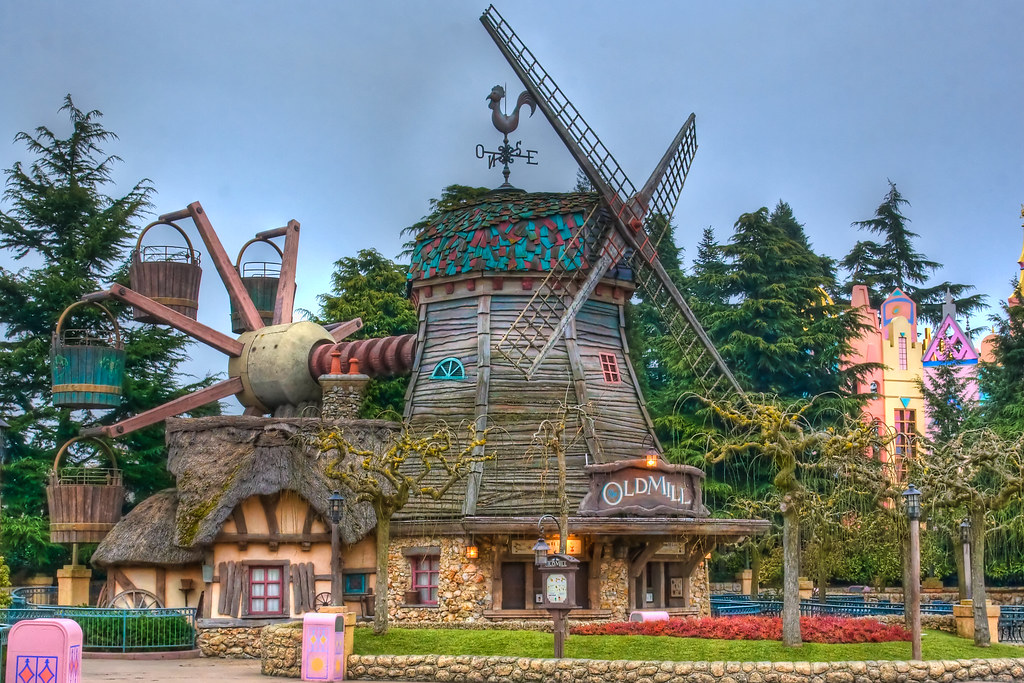 extinct Disneyland Paris attractions The Old Mill