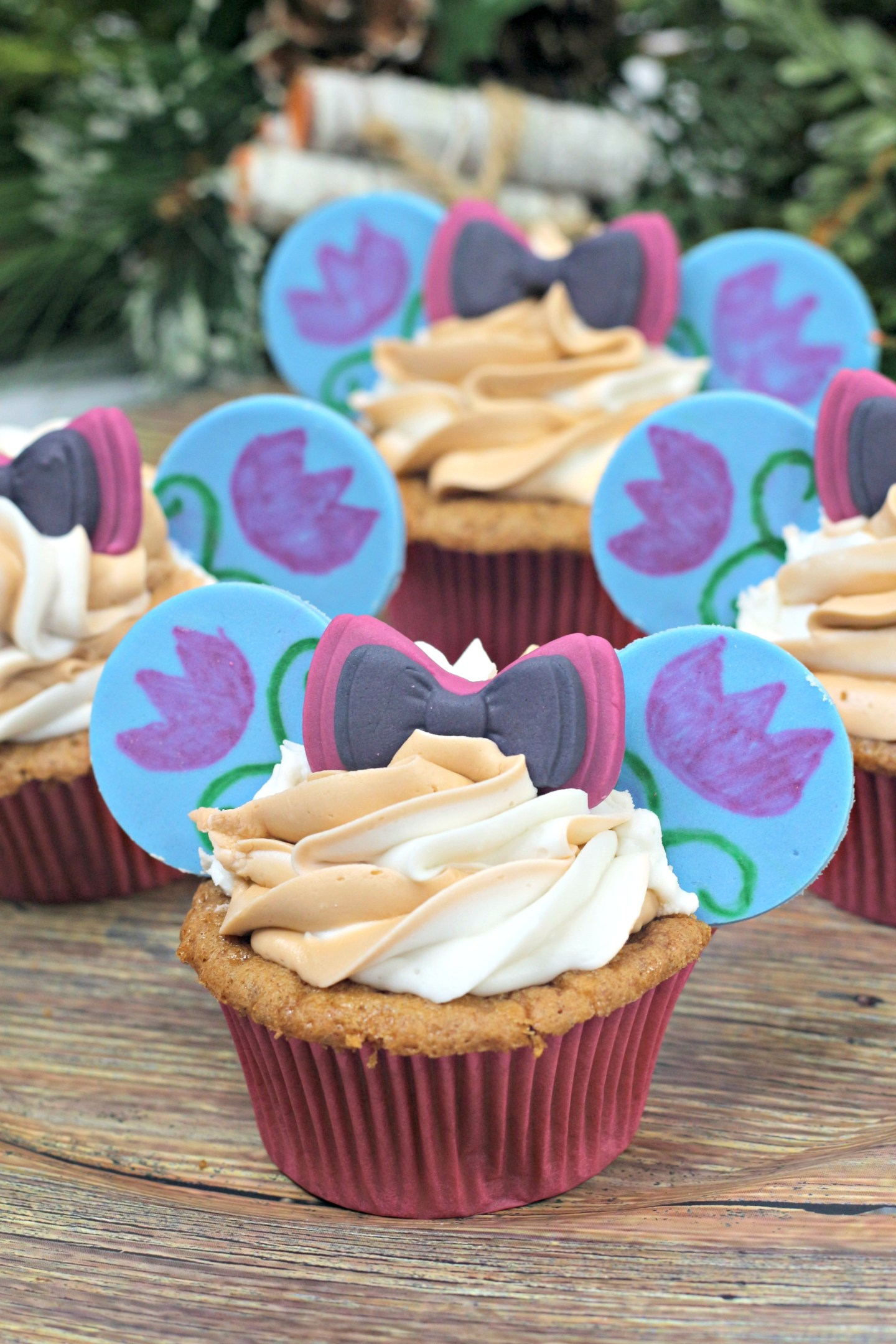 Anna Minnie Mouse Cupcakes