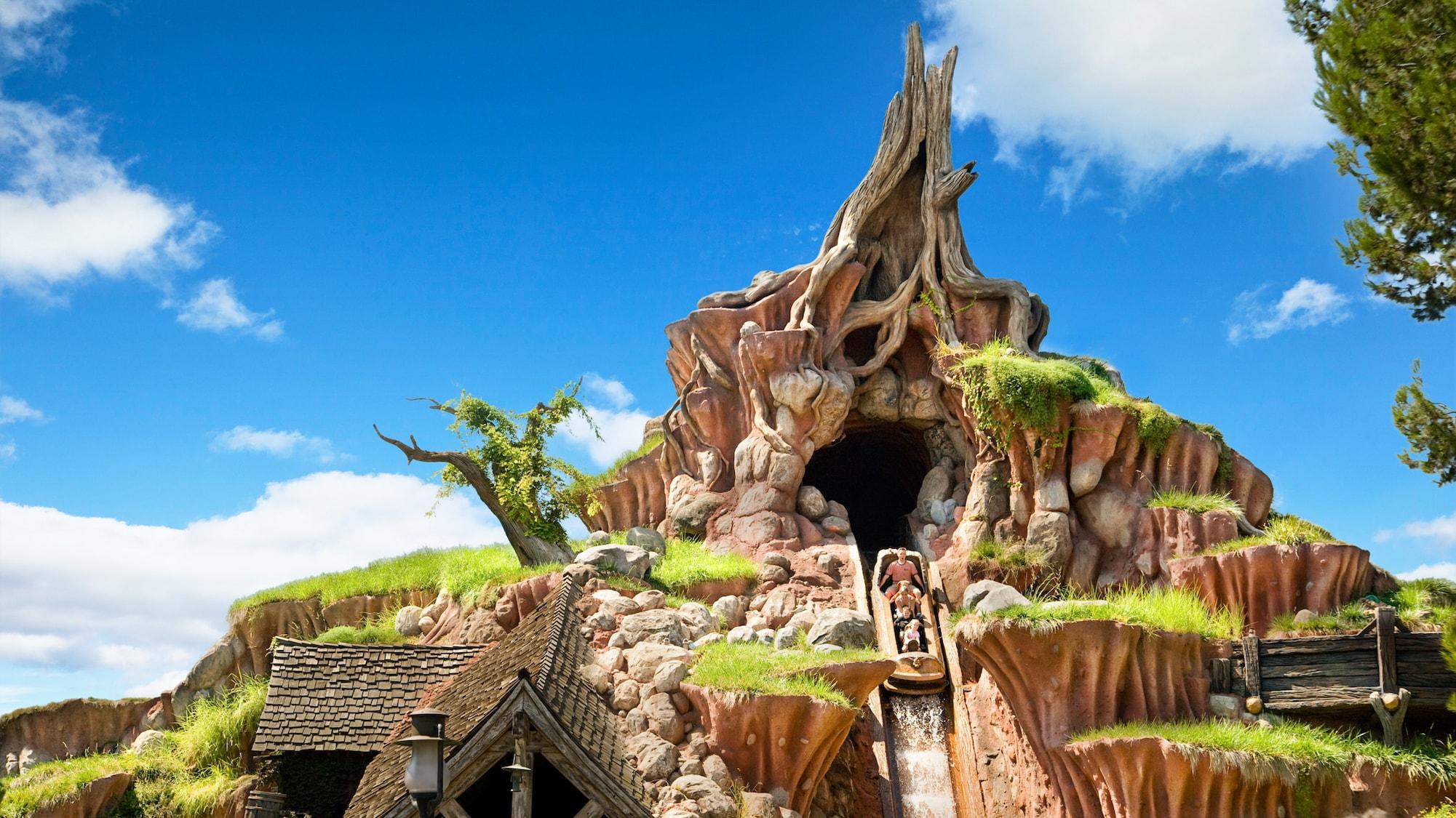 Top Disneyland Attractions Splash Mountain